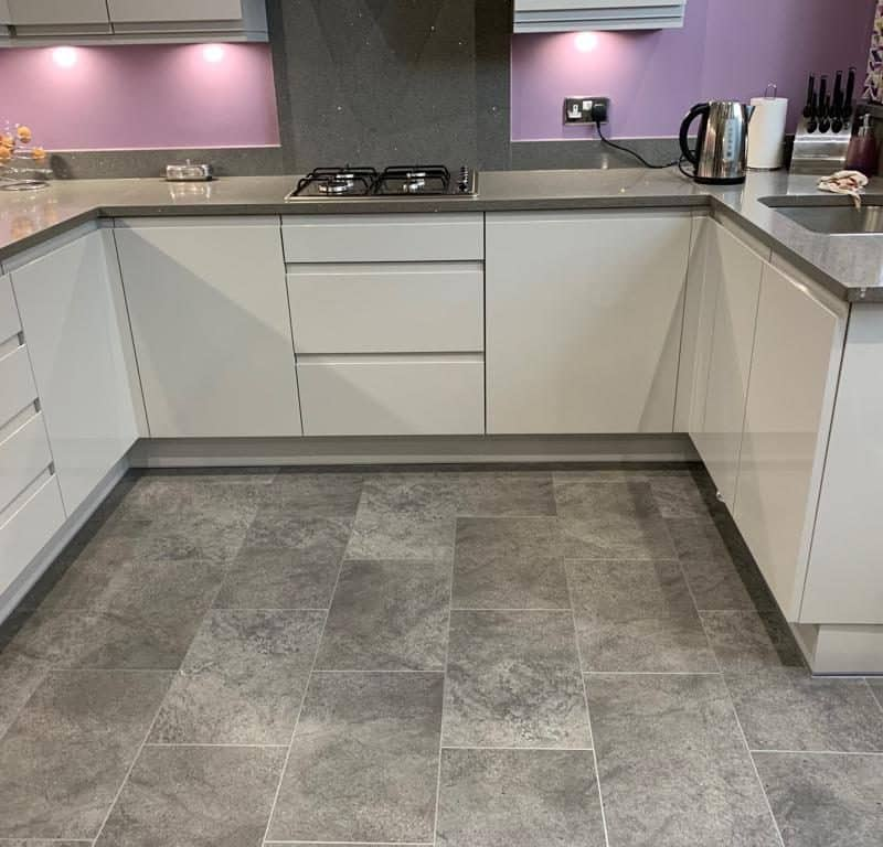 Karndean Knight Tile Kitchen